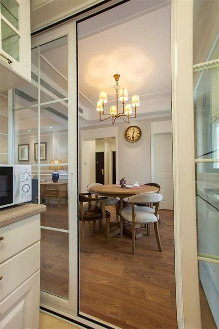 餐厅    简约美式装修效果图餐厅 餐厅和厨房,选择这种透明式的移门